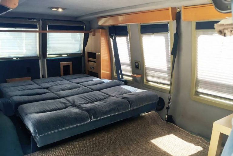Airbnb New York: Crazy Vintage Custom chevy van soho big apple lower manhattan mini bus apartment